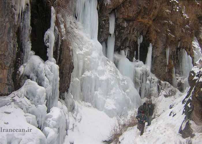 آبشار و قندیل های یخی اوستا