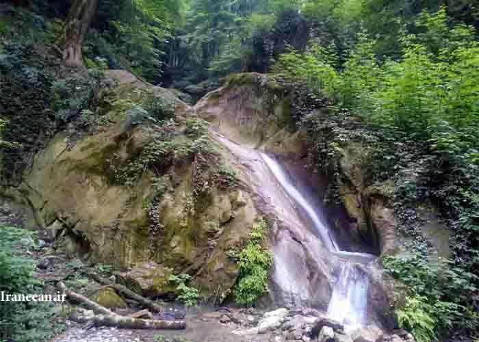 آبشار کوهمیان