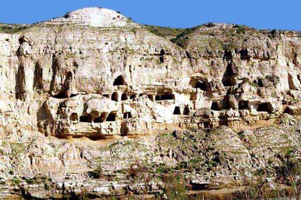 غار تاریخی چهل خانه برازجان