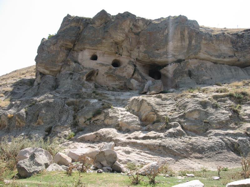 غار سنگی یدی دام