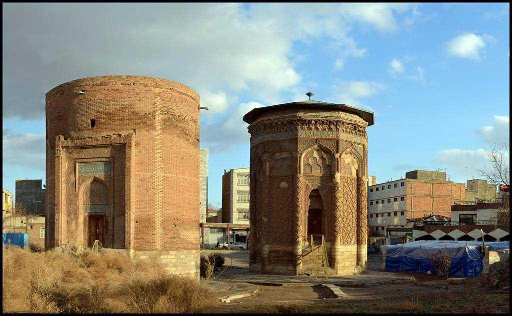 برج مدور و گنبد کبود مراغه